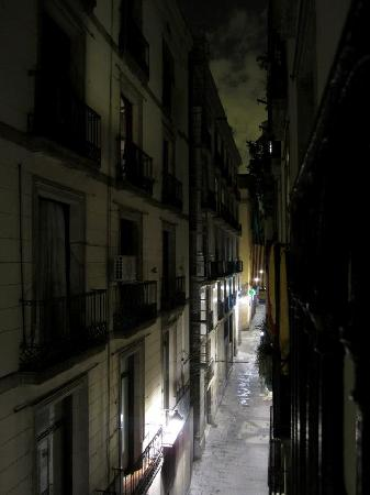 Rambla Gothiko: Vue de la chambre, la nuit.