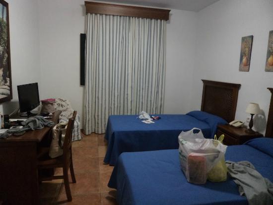 Hotel Sierra y Cal: La Habitación