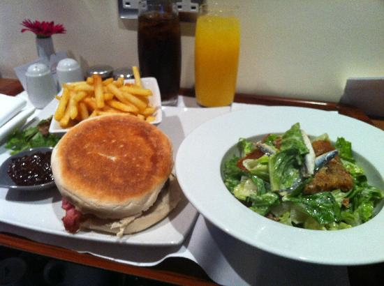 Mercure London Bloomsbury: Room Service