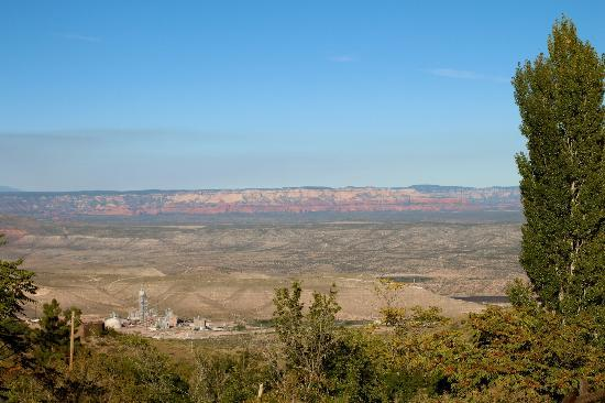 Verde Valley view from Ghost City Inn, Oct 2012
