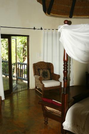 Mvuradona Safari Lodge: Lovely room