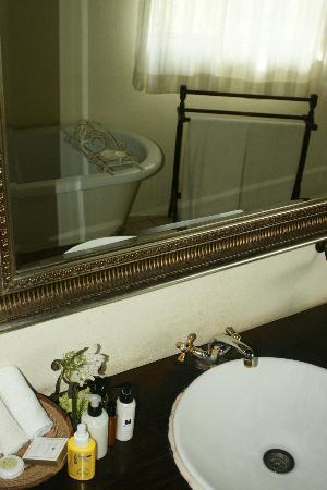 Mvuradona Safari Lodge: beautiful toilet