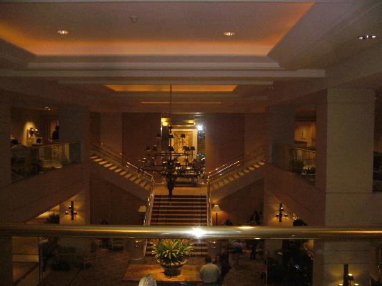Hilton Los Angeles/Universal City: Lobby