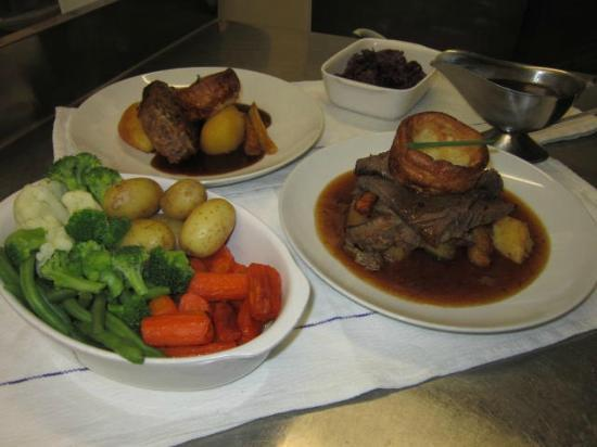 The Crown Inn: Sunday lunch (including home-made nut roast)