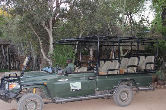 Dulini Lodge: drive vehicle