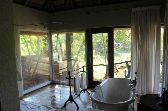 ‪‪Dulini Lodge‬: bathroom