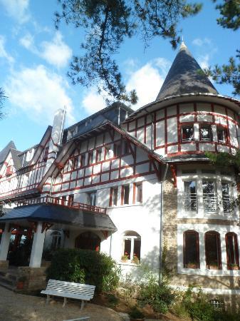 Hotel Les Pleiades - La Baule: Belle bâtisse