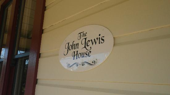John Lewis House B&B: Lovely B&B with personal touches