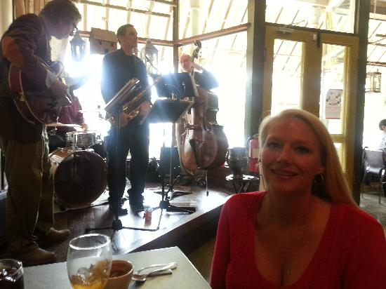 The French Market and Tavern: awesome live jazz