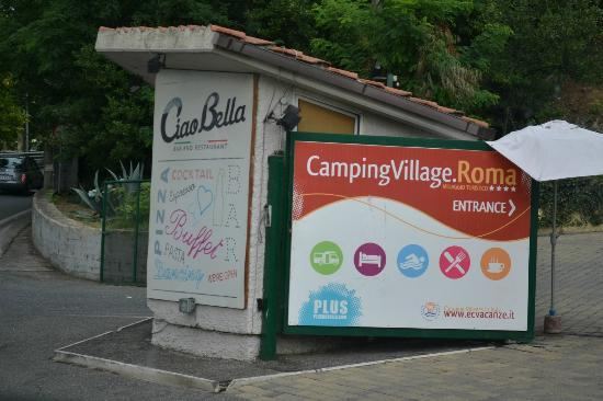 Camping Village Roma: Main entrance
