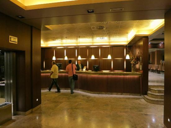 Hotel Praga: Reception