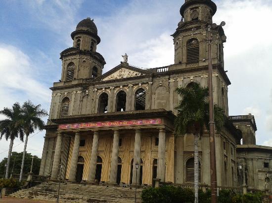 Ceiba Tour - Day Tours: Antigua Catedral, Nicaragua