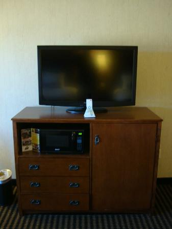 Best Western Plus Bryce Canyon Grand Hotel Tv Microwave Refrigerator Cabinet