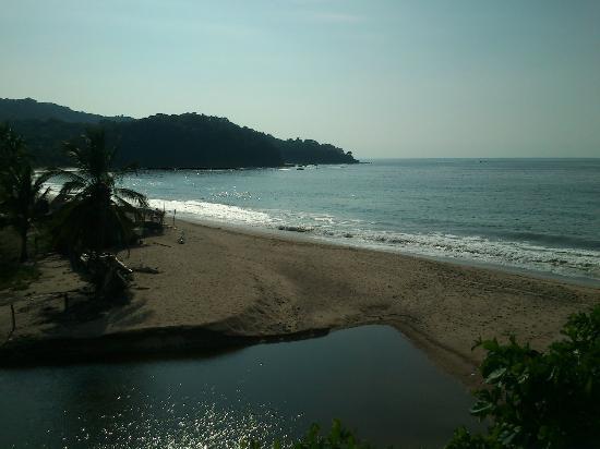 Playa Lo De Marco: playa y rio