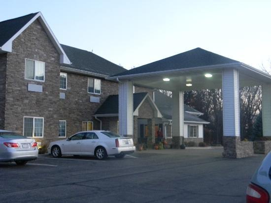 Savanna Inn & Suites: Entrance