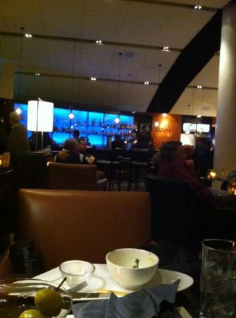Grand Hyatt DFW: lobby bar