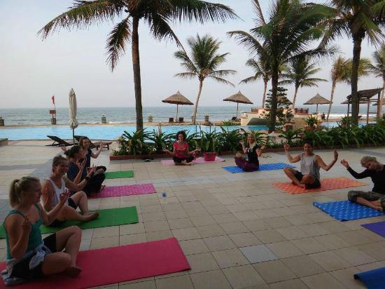 Hoi An Yoga: Special class at a Golden Sands Resort