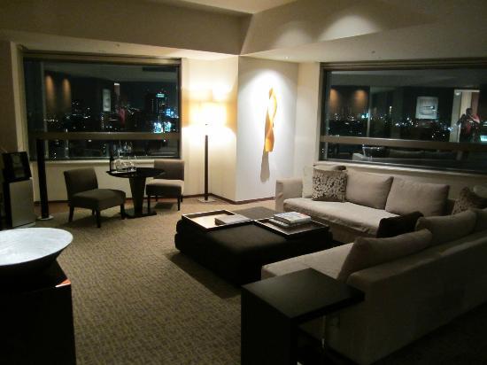 Grand Hyatt Tokyo: Suite living room area