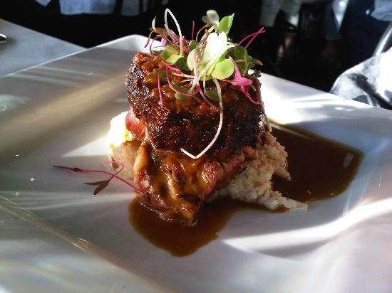 Red Newt Cellars Winery & Bistro: Tasting menu main