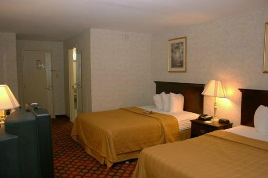 Quality Inn Enola - Harrisburg: Double Bed Room # 208
