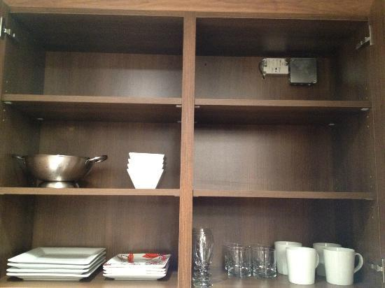 Chandler Studios: Cabinet space