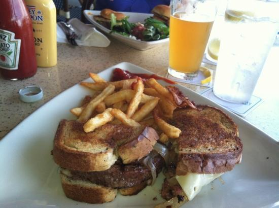 Mulligan's Beach House Bar & Grill: patty melt and fries