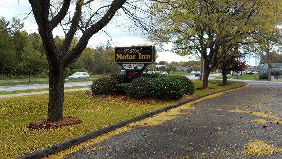T-Bird Motor Inn: welcome