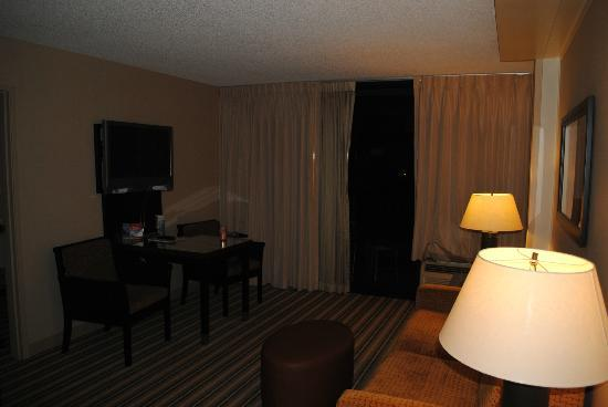 Maui Coast Hotel: Second Room of Suite with Couch and Dining Table