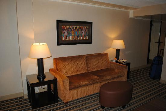 Maui Coast Hotel: Couch!