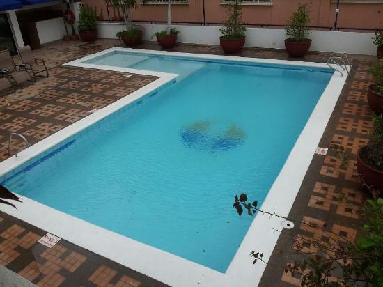 هوتل أرهواكو: piscina 