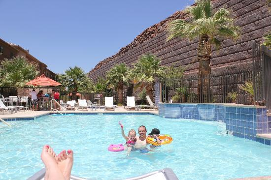 TownePlace Suites St. George : A wonderful day at the pool