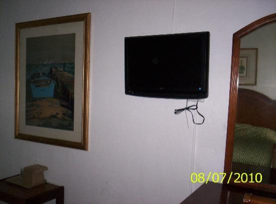 Coral by the Sea: Flat screen tv