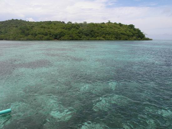 Banana Island: Towards Malcapuya Island, Coron, Palawan, Philippines. 