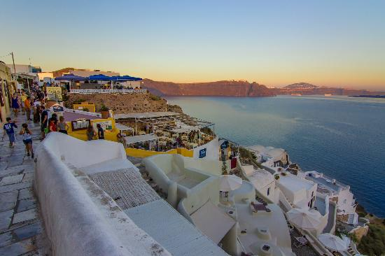 Canaves Oia Hotel: Oia Village