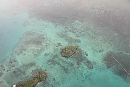 Matangi Private Island Resort: View from the plane of the Fiji waters