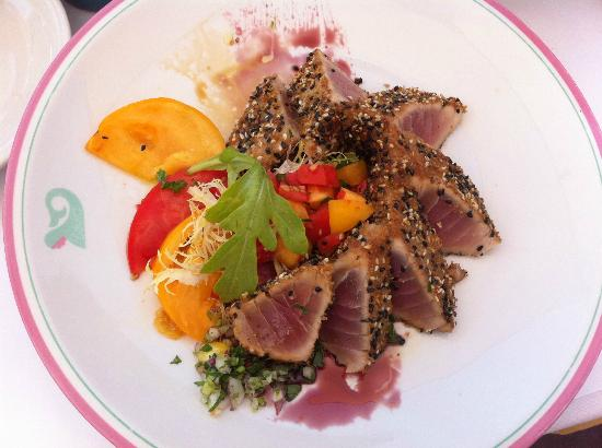 Gigino Wagner Park: seared tuna with sesame crust and heirloom tomato salad. it was good.