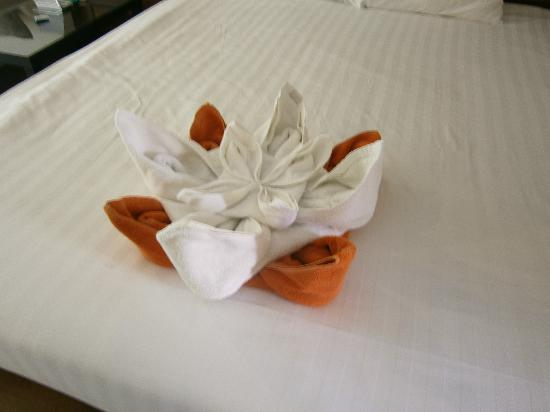 Baan Yuree Resort  and  Spa: towel decorations