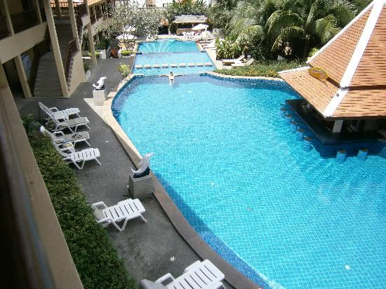 Baan Yuree Resort  and  Spa: 3 level pool