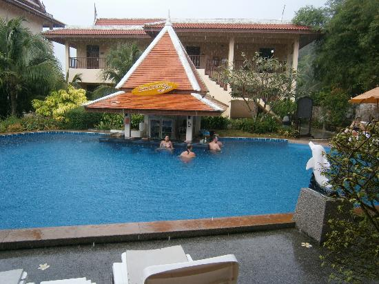 Baan Yuree Resort  and  Spa: upper pool bar