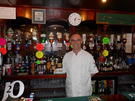 The New Inn St Andrews: JOHN, always ready to attend to our needs