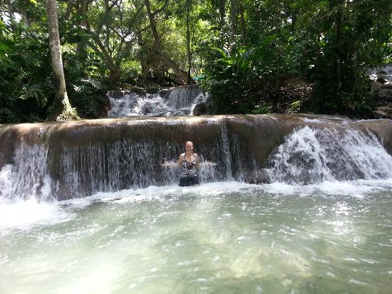 Dunn's River Falls and Park: enjoying the falls
