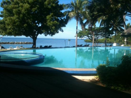 Anchorage Beach Resort: Gorgoues pool and view
