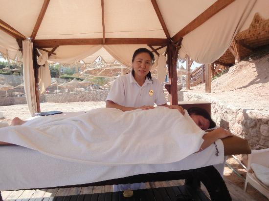 Nubian Village Hotel: массаж