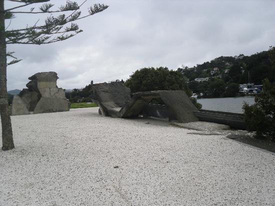 Waka 'n' Wave Sculpture : Waka'n'wave