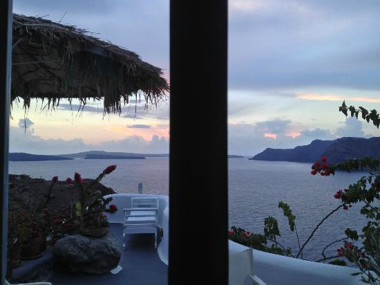 Marizan Caves & Villas: gorgeous view from room