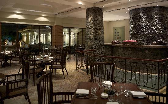 Hyatt Regency Kathmandu: Rox Restaurant