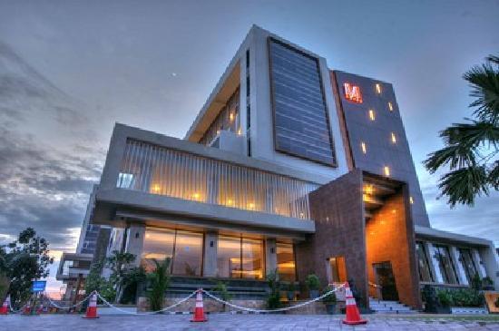 Merapi Merbabu Hotel Yogyakarta: Hotel Exterior