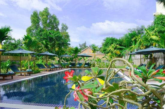 La Magnolia d'Angkor Boutique: Salt Swimming Pool