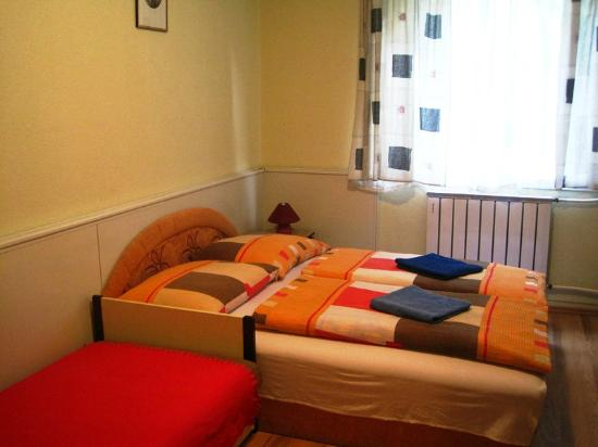 Apartment4you Budapest: The beds