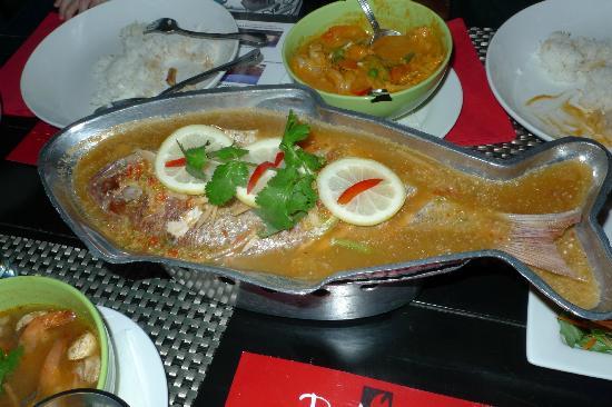Red Crab Thai Restaurant : Thai sour steam fish